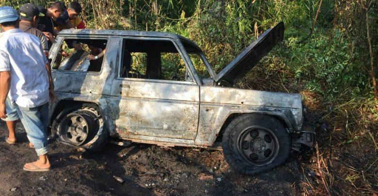 Mobil Feroza Terbakar Di Jalur Lintas Kalimantan Gerak Kalteng
